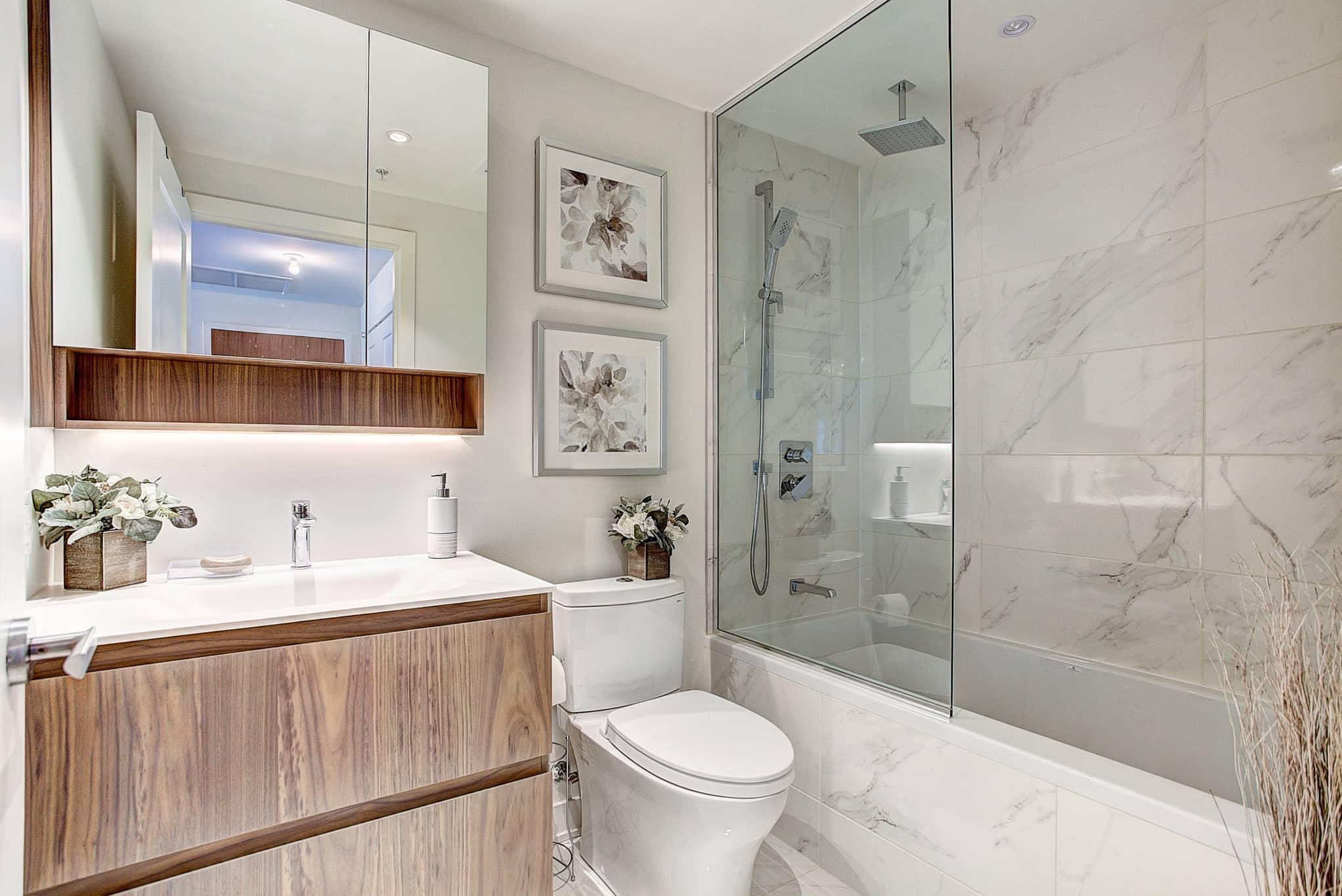 Luxury bathroom in Montreal rental